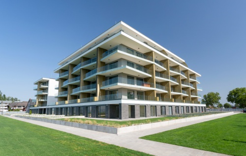 Construction of 83-unit beach apartment building in Balatonlelle